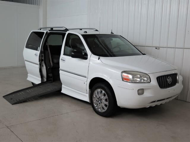 2006 buick terraza wheelchair minivan broadmoor motors group. Black Bedroom Furniture Sets. Home Design Ideas