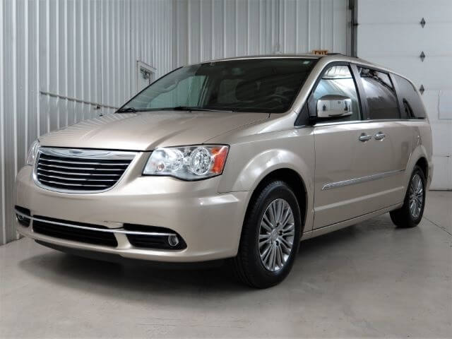 2014 chrysler town country touring minivan broadmoor. Black Bedroom Furniture Sets. Home Design Ideas
